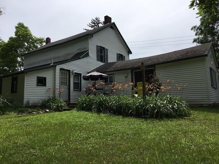 Beautiful Farmhouse outside of Saratoga Springs