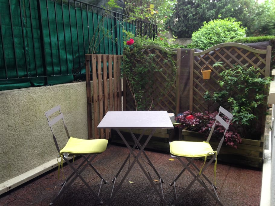 Charmant studio  Apartments for Rent in RosnysousBois  ~ Caf Aulnay Sous Bois