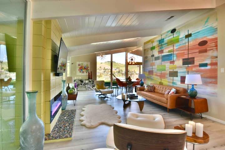 Luxe Mid Century Modern ❤️ VIEWS!