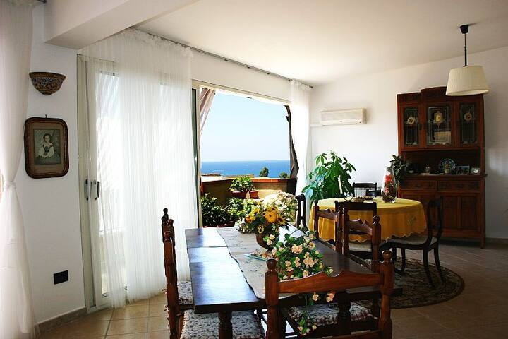 ATTICO PANORAMICO - Trappeto - Leilighet