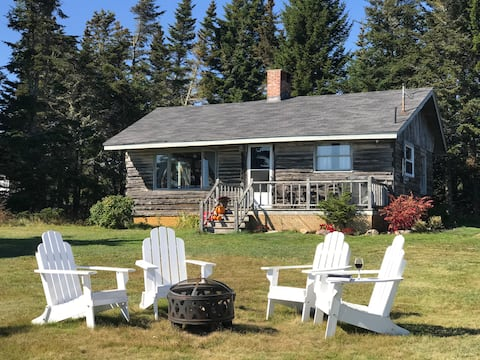 Private Beachfront Retreat on the Bay of Fundy!