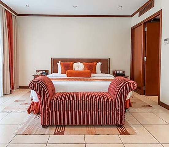 Sebuoeni Hotel & Guest Rooms