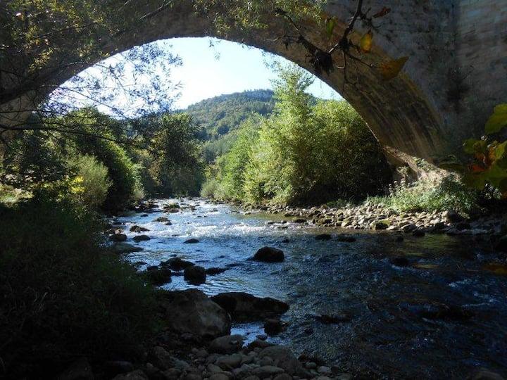 Alet les Bains/Limoux 5ch  8/10pers calme rivière