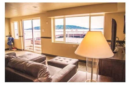Lake Washington Waterfront House-Unit 2