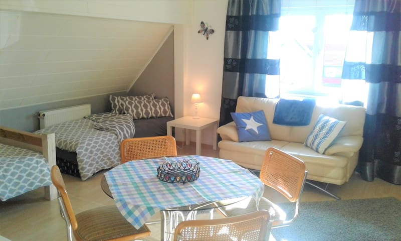 Ferienhaus Zimmer Monteurwohnung Ferienwohnung - Hasselroth - House