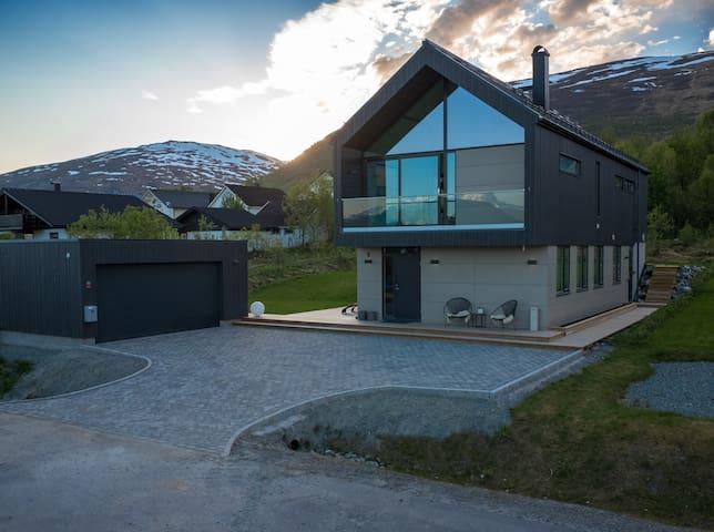 Design villa - Tromsø - 別荘