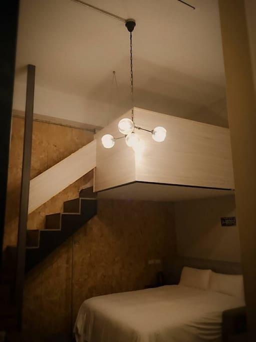 幸福閣樓二大床四人房