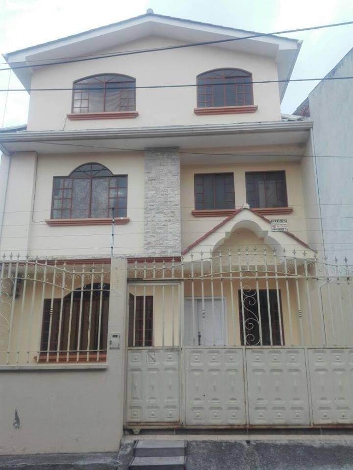Habitación privada en amplia y hermosa casa