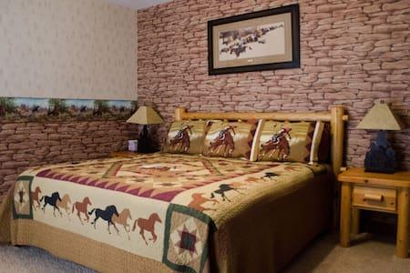 Sunlit Oasis: Golden Throne Room