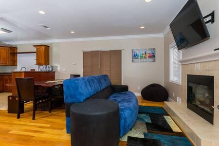 2 Bedroom, 1 Bath Home, 7 min to LAX, Del Aire