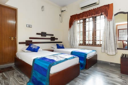 Private double room in cochin, Ernakulam - โคชิ - เซอร์วิสอพาร์ทเมนท์