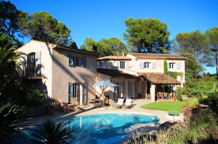 Romancing the Ordinary at Villa Bastide les Pins