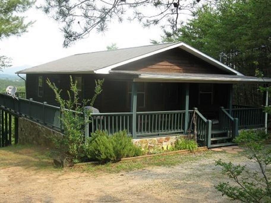 Toccoa river cabin rentals-front view