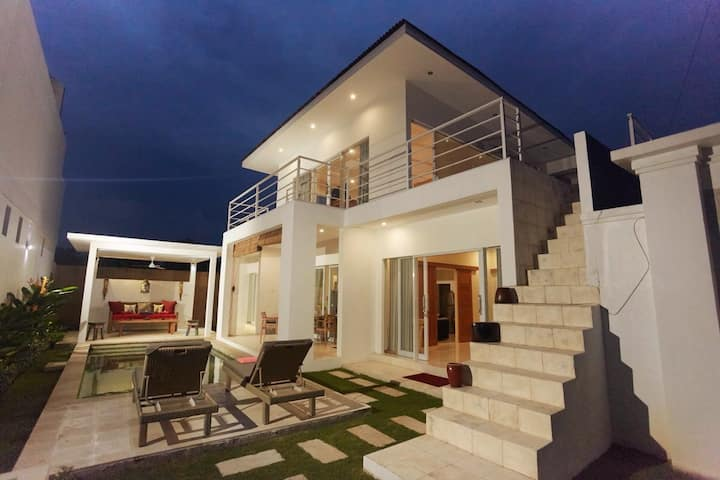3BR Villa JAHNA with private pool - Sanur