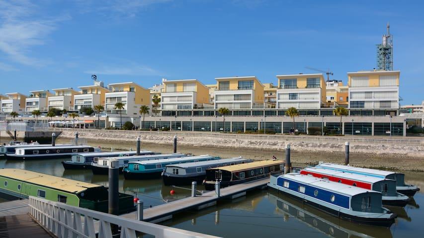 Tagus Marina - Houseboat (1 bedroom)