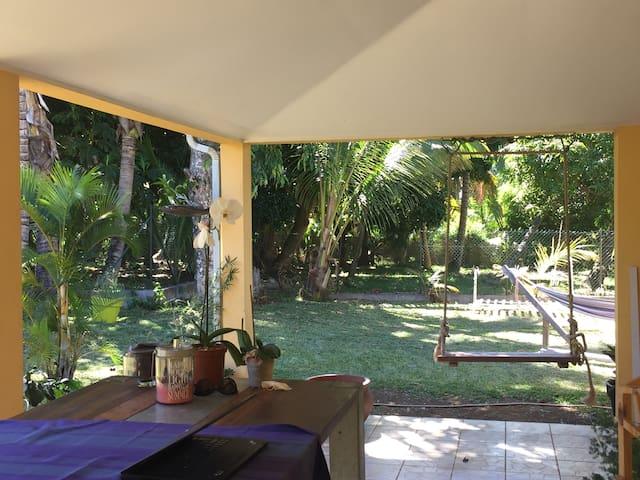 Chambre dans un quartier calme - Sainte-Marie - Talo