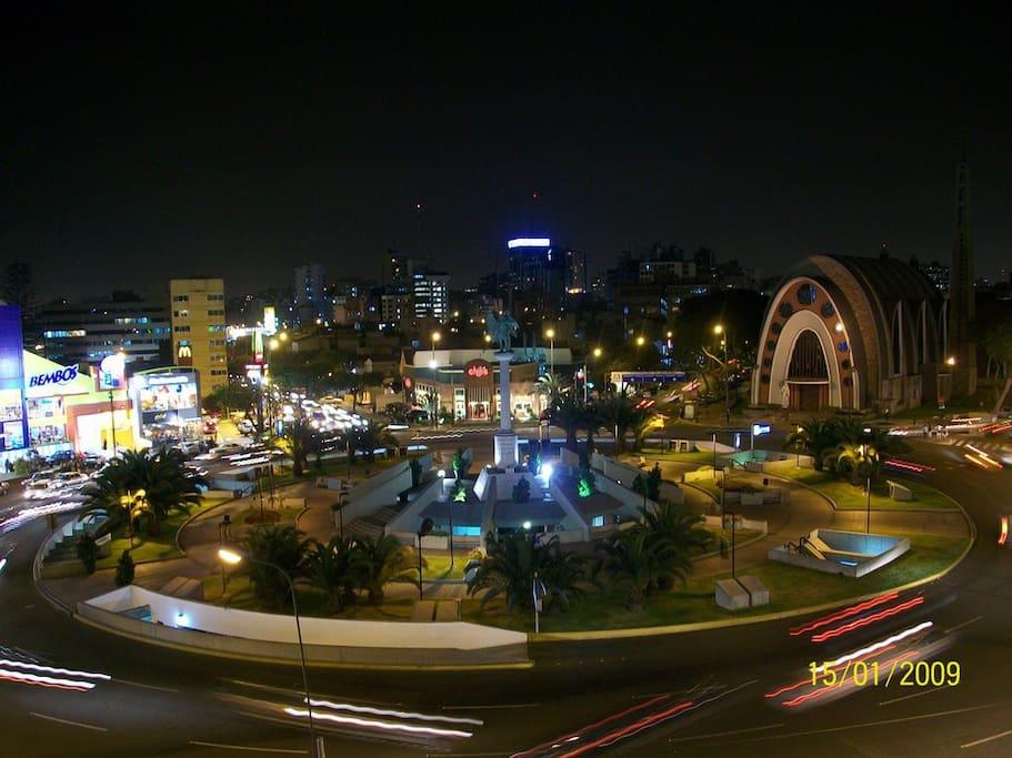 "Ovalo Gutierrez a 250 metros del departamento (""Ovalo Gutierrez"", 250 meters away from the apartment)"