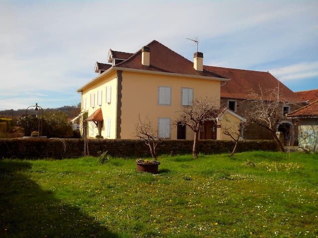 Only 40min to Beach/Mountains/Spain - Sauveterre-de-Béarn