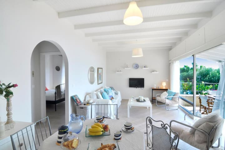Beachfront house with 2 bedrooms - Corfu - House