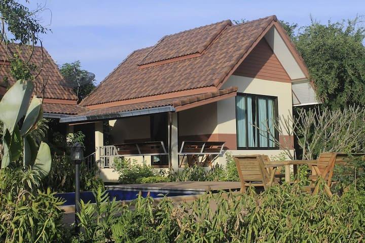 บ้านไอหนาว by KhaoYai I-NOW เขาใหญ่ไอหนาว