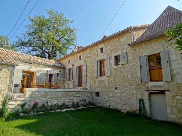 Martigne - Saint-Martin-des-Combes - Haus