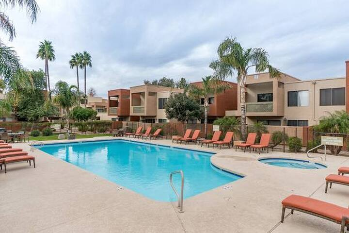 Great Condo in Old Town Scottsdale!!!