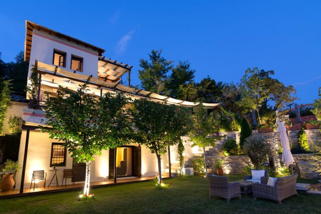 The property combines many traditional elements with several modern amenities