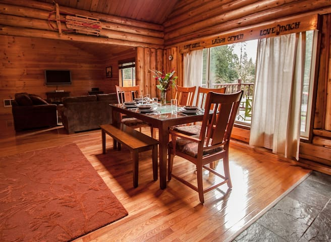 Cozy Log Cabin with Hot Tub, WiFi, and BBQ