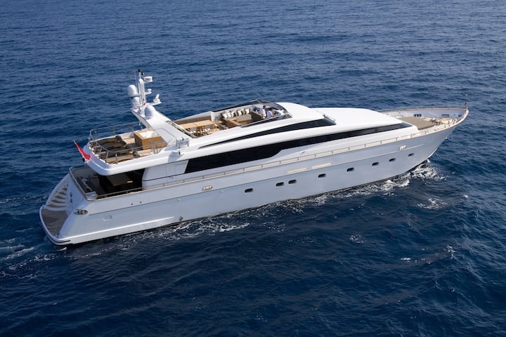 Admiral 35 luxury motor yacht