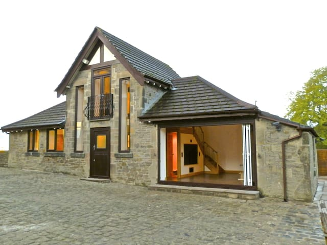 HOT TUB www. scotthomes. ltd Luxury Converted Barn
