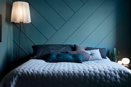 Colorful Designer Apartment - Saltsjöbaden