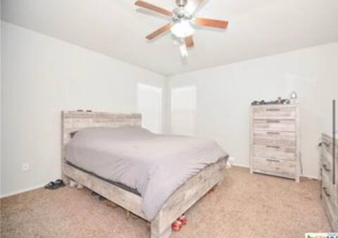 Comfortable room close to Fort Hood
