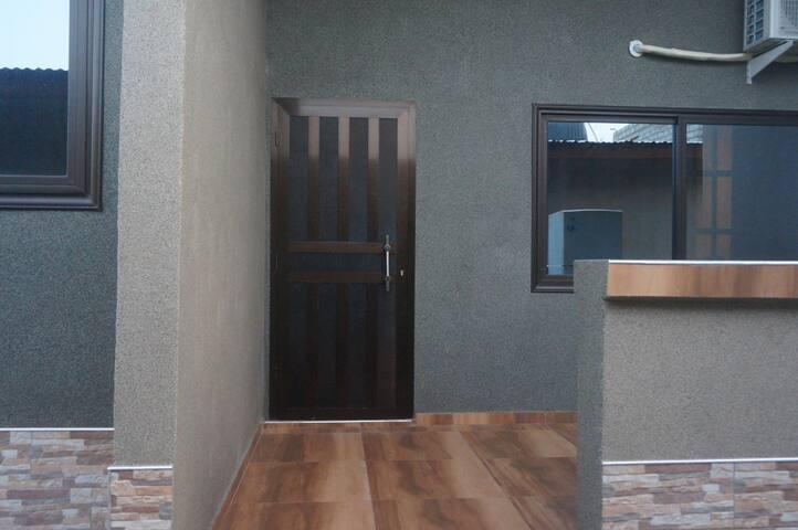 Comfortable Modern 1 Bedroom  Near Spintex Rd