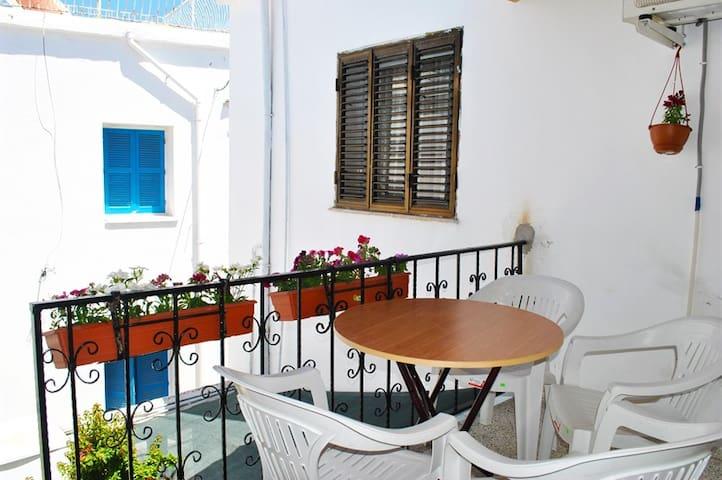 KB105 1 Bdrmed Apartment in Harbour - Girne - Appartement