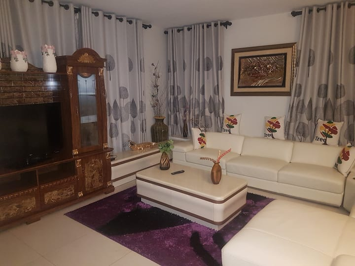 3 Bedroom Furnished Villa Lakeview neighbourhood.