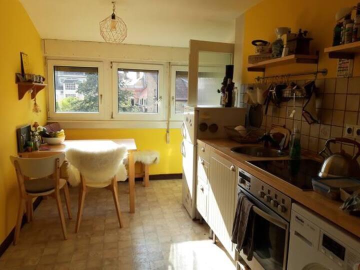 Schöne Oststadt Wohnung mit Balkon für 2+ Personen