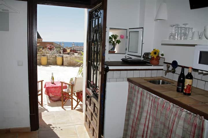 Cueva con Vista-tranquil location in hart of city