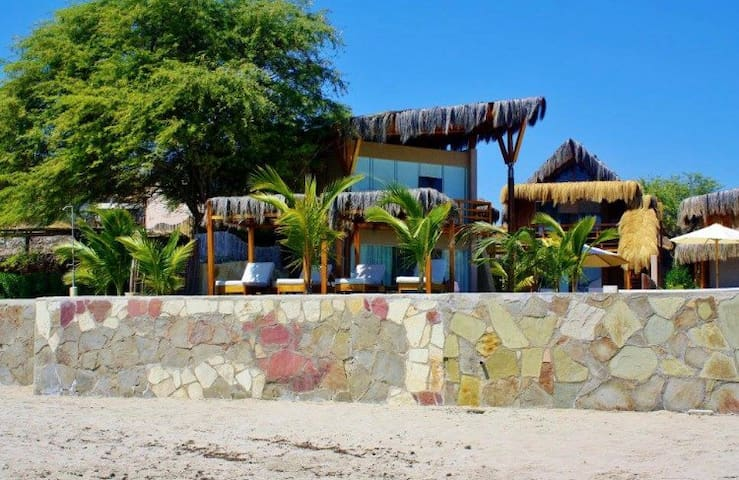 Bungalows & Villa Punta Veleros