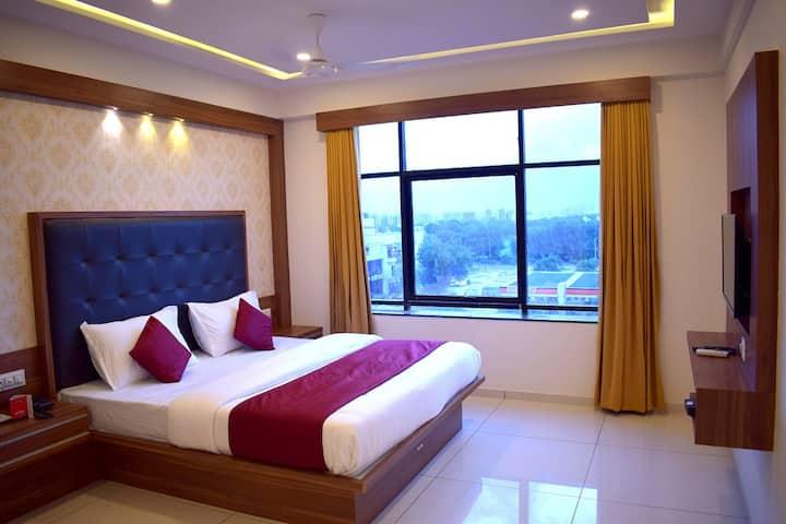 Hotel Palak Palace