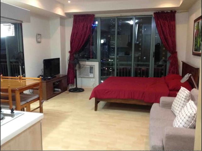 Comfy Shaw 32sqm Studio beside Shang & Megamall