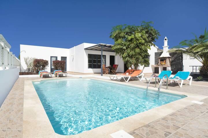 Villa Tinguaton con piscina privada climatizada