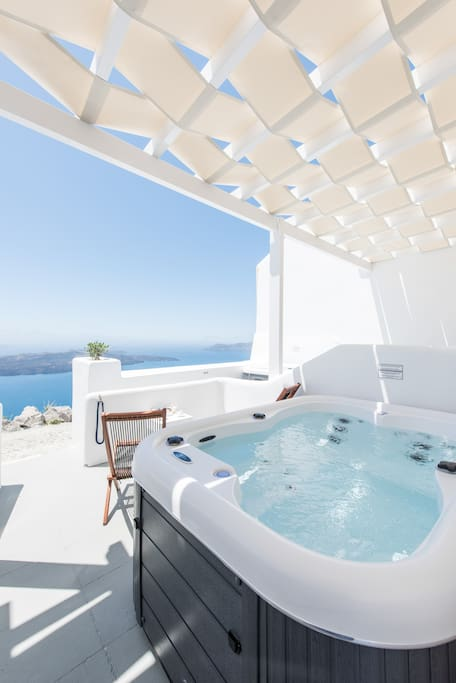 Outdoor hot tub - view