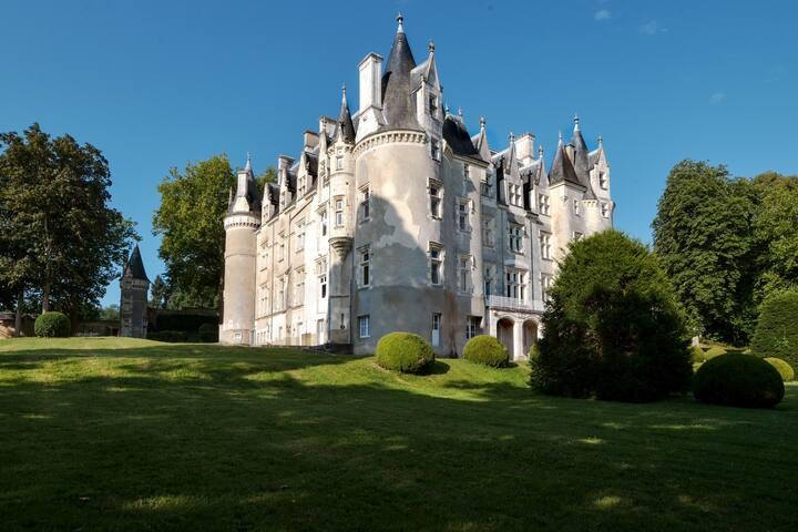 Magnifique château avec piscine - Saint-Germain-d'Arcé
