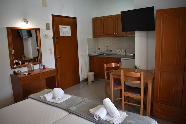 Galanis Hotel - Double or Twin Studio