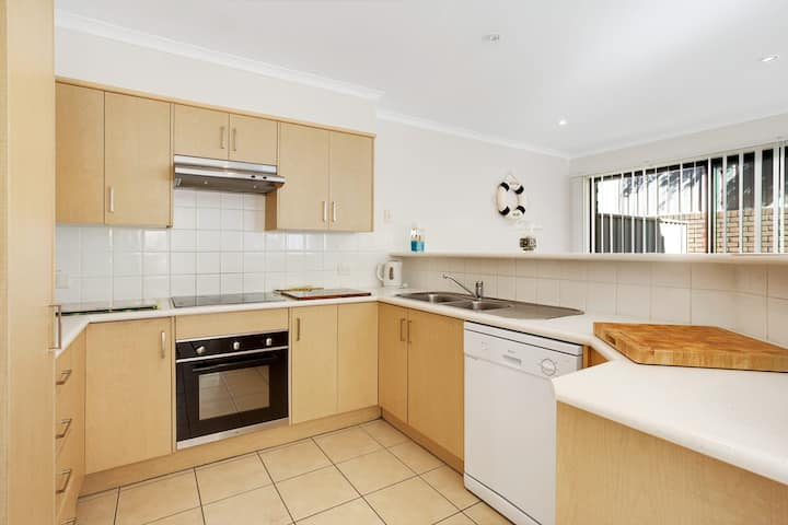 Townhouse in the heart of Port Stephens