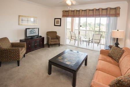 Avalon 14200 #310 - Apartamento