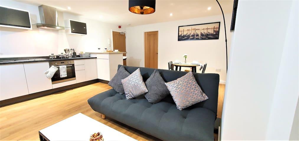 Northampton - Beautiful Modern 2 bed Apartment