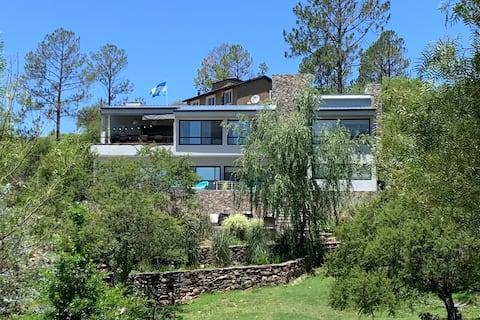 Amplia casa de veraneo en las Sierras Calamuchita