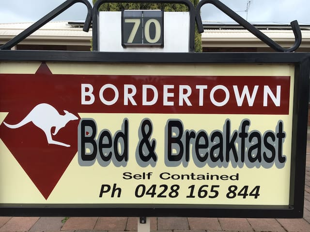 Bordertown B&B The Pines @ 70 Cannawigara Road