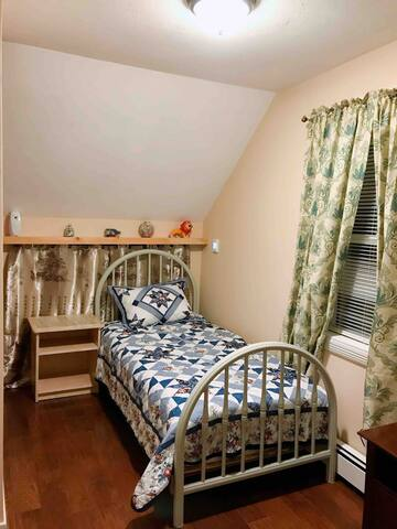 New comfortable private BR with easy commute#4